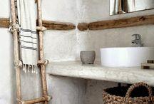 Interior / Bathrooms