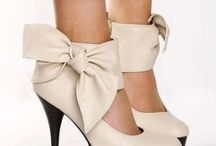 I love shoes with ribbons  / I'm in love with shoes with ribbons and I don't care whether they fit or no