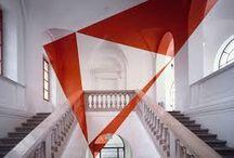 Arts plastique / Felice Varini est un artiste suisse contemporain qui travaille sur l'espace vert, l'architecture et la vision.