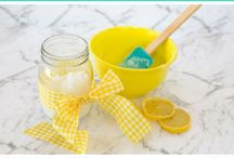 Sugar Scrub / Find gorgeous a homemade Sugar scrub recipe. Easy DIY and the perfect homemade gift.