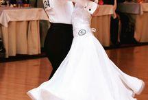 Sukienki taniec