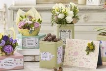 The World of Flowercard / Send fresh flowers arranged by hand inside beautifully designed personalised cards for life's special occasions.
