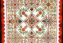 Red and green quilts / quilts