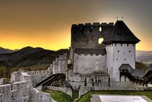 Castles of Slovenia / In Slovenia there are more than 500 castles (including fortresses, manors and castle ruins), ranging over a thousand years in age. The older castles are built on hills, so they usually offer amazing views.