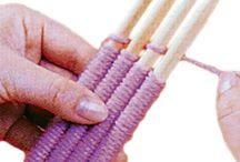 Tejer con 4 agujas juntas  enhebradas