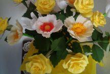 Papier Blumen carta crespa le mie creazioni / composizione gialla rose e papaveri in carta crespa
