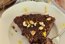 Yummy! ! / http://www.diaforetiko.gr/biskotogliko-me-sokolata-na-glifis-ta-dachtila-sou/