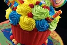 Cupcakes!! / by Candy Noe