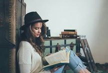 bookstagram pose