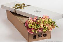 Цветы в подарочной коробке. / Цветы в подарочных коробках. Всевозможные цветы и подарки. Доставка, заказ онлайн, оплата онлайн. Москва, Санкт-Петербург.