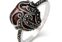 I heart jewelry / You understand...