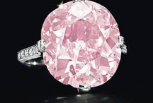 Pink / by Tanja Elbkind