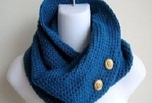 Round loom knitting
