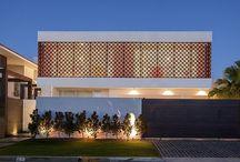 Arquitetura: Fachada - Facade / Visite www.thyaraporto.com/blog e confira ótimas dicas para decorar a sua casa.