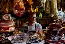 The Italian Foodie / Our leisurely neighborhood tasting passeggiatas, market forays and discovery food experiences off the beaten path, take you to some of Italy's most interesting food & wine cities.