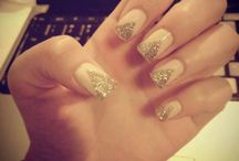 Taylour prom nails / by Brittney Hayes