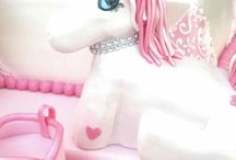 Pony princess cakes