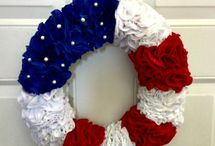 4th of July Party Ideas / I love the Fourth of July! And I'm currently obsessed with decorating in red, white, and blue! Pinning all the adorable decorations, cute crafts, patriotic activities, and more!