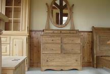 Meubles en pin / Sélection de meuble en pin, mobilier de chambre, de cuisine, meuble télé, vanité de salle de bain