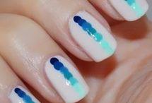 Dotted nail art ⚪