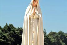 ADVOCACIONES MARIANAS / María, la madre de Jesús, es una sola pero tiene multitud de nombres que le han dado los fieles a través de los siglos.