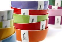 Pantone porselein by Luca Trazzi / Compleet porselein Pantone servies in 15 kleuren van de ontwerper Luca Trazzi. het servies bestaat uit 3 maten borden, kom en een diep bord. www.serviesgoed-winkel.nl / by Che Bello Woonwinkel