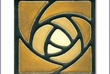 hunter rose motif