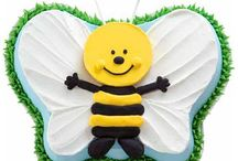 Bee Cake Design / This shape cake is made by using our Butterfly cake tin.