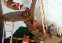 Spielplätze und -räume / Einrichtung für Kinderzimmer oder Plätze für Kinder zum spielen oder erholen. Spielzeugmöbel, Häuswr, Zelte etc.