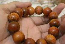 Aromatherapy bracelets / We are supllier of natural product and jewelry such as : beads, aromatherapy, bracelet and ba-di or tasbeh from agarwood, sandal wood , coral and rudraksh, etc