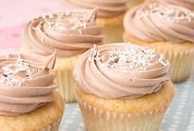 Cupcakes & Cakes / by Cathie Kelly