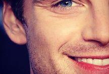 ♥ Sebastian Stan