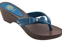 Slapi si sandale elegante de dama Grendha. / Fabricate in Brazilia. Modele elegante. Ideale pentru iesirile din timpul zilei sau din timpul noptilor.  Fii eleganta! Fii rafinata! Alege grendha! http://www.shoexpress.ro/webshop/slapi_grendha/slapi_dama