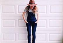 macacão jeans curto e comprido.