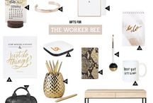 Work like a Pro / Delightful desks for bloggers x