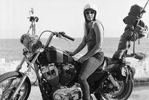 Moottoripyöräkuvia