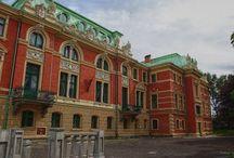 Sosnowiec - Pałac Dietla / Pałac Dietla w Sosnowcu powstał w 1900 roku. Pałac wchodził w skład zespołu patronackiego, wraz z parkiem, zabudową dawnej fabryki, osiedlem robotniczym, a także kościołem ewangelickim. Jako rezydencja rodowa Dietlów pałac funkcjonował do roku 1945. W styczniu tegoż roku zajęty został przez komendaturę radziecką NKWD. Obecnie w rękach prywatnych funkcjonuje jako centrum konferencyjno - biznesowe.