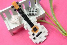 gitara z koralikow