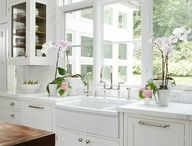 01 Home: White kitchen
