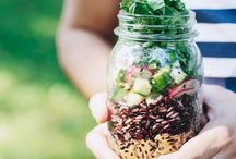 Mason Jar Salads / Salads in jars! Perfect for work lunch, traveling, picnics, or anywhere on the go.Mostly gluten free, vegan, and paleo. Pinned by Loveleaf Co.