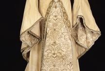 Renaissance Faire Costume Ideas / Gotta love Renaissance! Ideas for costumes for Renaissance festivals.♥ / by Claire Spaight