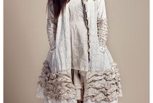 Clothes and Styles / by Fionnagh Overgaauw