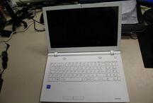"""PCNOVA Testing. Portátil Toshiba Satellite C55-C-1JE / Hoy mostramos el portátil Toshiba Sat C55-C-1JE, un portátil muy atractivo!. Disfruta el detalle de conocer este producto. PCNOVA Testing son pruebas que realizamos a productos de IT Profesionales, donde describimos que nos gusta y que no de los dispositivos que vamos probando. Puedes verlos en nuestro canal de Youtube, busca PCNOVA TCCC. Exponemos nuestras impresiones y buscamos la manera de colaborar con nuestros seguidores para que puedan """"probar"""" los equipos antes de adquirirlos"""