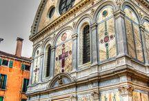 Esglésies, temples, multiculturalitat.