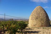 Samaniego  / Casa Rural La Molinera Etxea, se encuentra ubicada en la Noble Villa de Samaniego, pueblo vitivinícola con vides desde la Edad Media. Una zona privilegiada a los pies de la Sierra de Cantabria.  Es el un punto de encuentro perfecto entre Laguardia y Labastida.