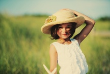 Children in Vintage Style / Photographs capturing the innocence of beauty of childhood with a vintage feel.