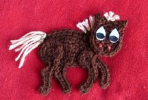 Crochet Appliqués / Little doo-dads to fancify your creation.