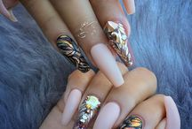 Nails beeetch