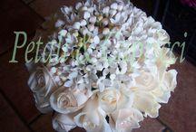 Mazzolini sposa / creazioni per le nostre spose, l'accessorio per eccellenza di ogni sposa il suo mazzolino.