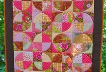 Circle quilts / by Karen Ganske